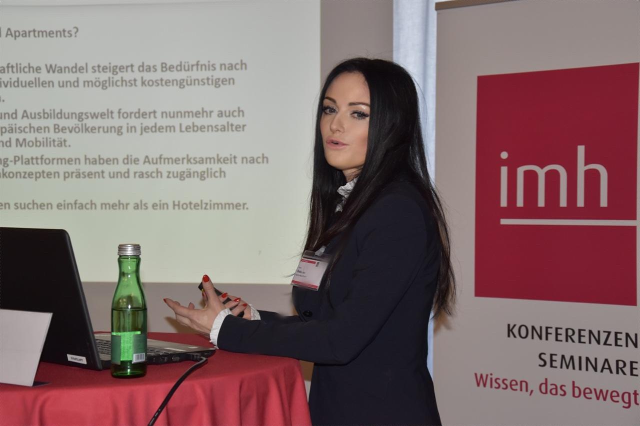 """Vortrag von Frau Vera Skala, MBA zum Thema """"Serviced Apartments – Besser als Hotels?"""